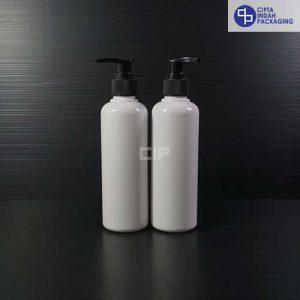 Botol Pump 250 ml Putih-tutup Hitam